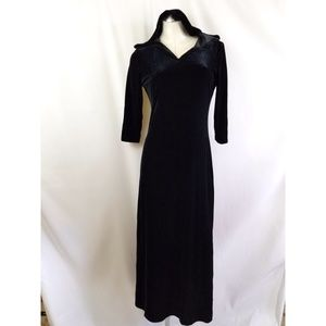 Harlow Size 6 Long Hooded Velour Dress Black